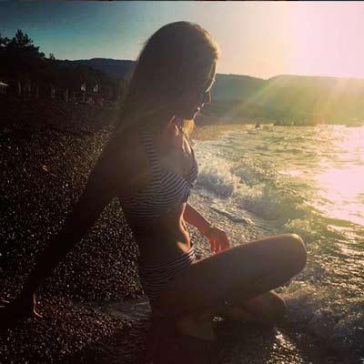 www.instagram.com/sunnylipnitskaya/