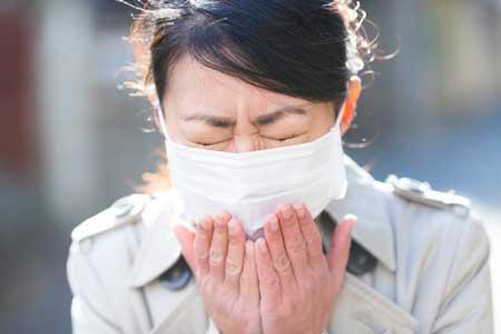 春と秋の花粉症の違いは?クシャミ、喉の痒み、目のかゆみ